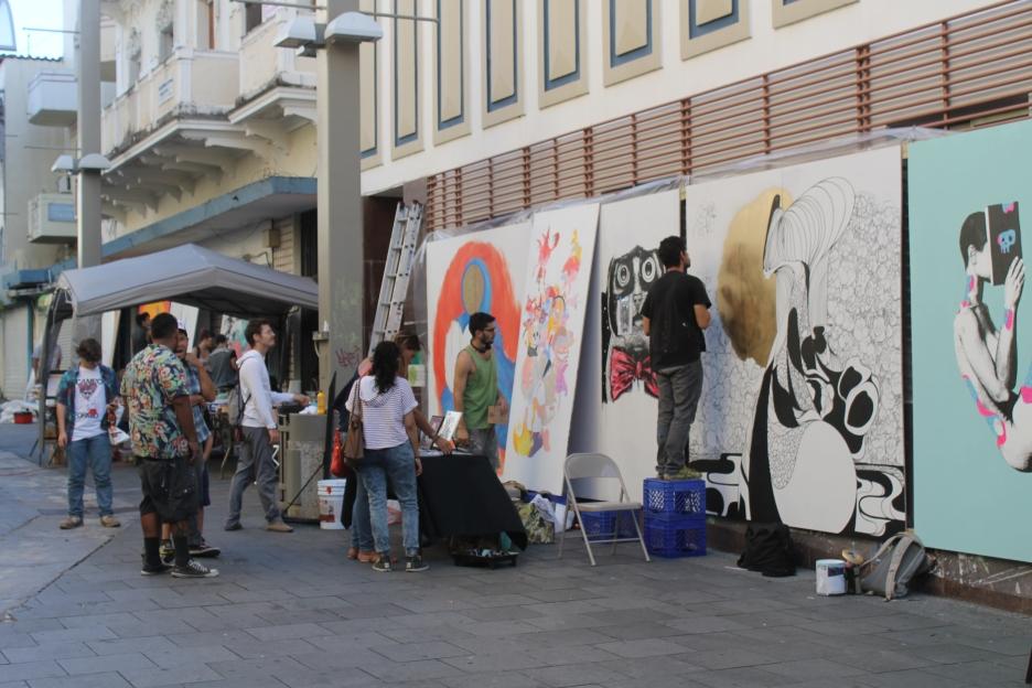 Los artistas muestran su trabajo en el Mondo Bizarro Fest.