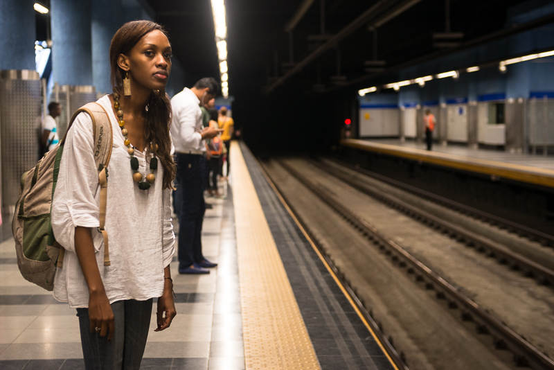 Deisy Toussaint en el metro. Foto Luz Sosa-1